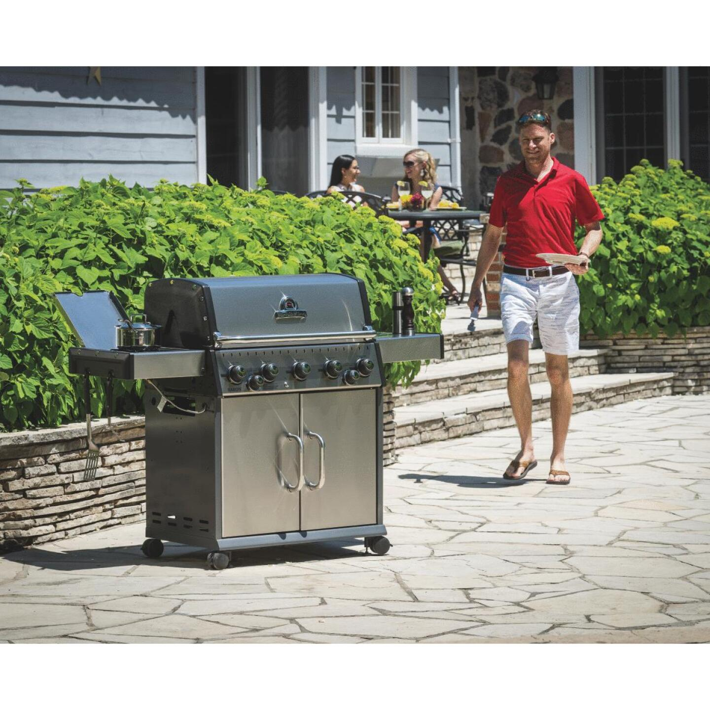 Broil King Baron S590 5-Burner Stainless Steel 50,000-BTU LP Gas Grill with 10,000-BTU Side Burner Image 2